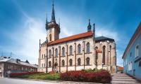 small_Polika_kostel-sv-Jakuba-s-rodnou-svtnikou-B-Martin.jpg